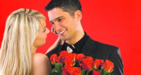 Николай Л. дарит мне на день рождение 37 роз и целует в губы