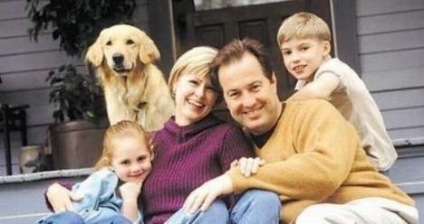 счастливая семья в любви и гармонии