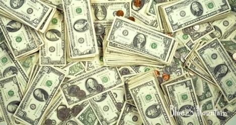 зарабатывать 100000 рублей и более в месяц