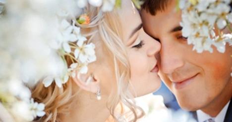 Я любимая жена моего любимого мужа - моей  второй половинки