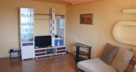 Большая красивая трехкомнатная квартира с хорошим ремонтом