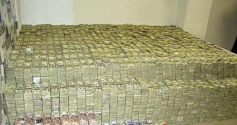 Хочу чтобы у нас все стала хорошо с деньгами.