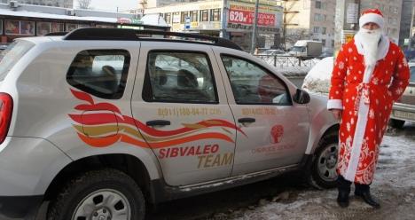 брендированный автомобиль Рено