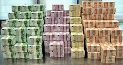 Банк возмещает нам по иску весь ущерб, проценты и штраф