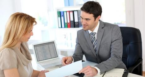 работать личным секретарем