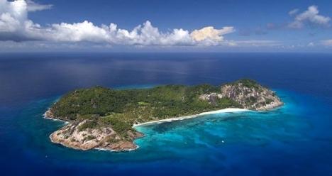 собственный большой остров в тихом океане