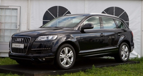 Богатый, любящий наc с Настей мужчина на Audi Q7