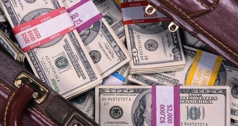 Что б денег хватило раздать все долги и начать безбедно жить