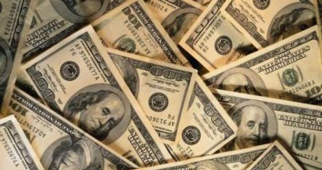 Муж зарабатывает 2000 долларов в месяц