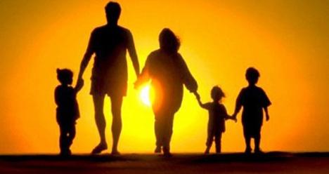 Крепкая счатливая семья и дети в этом году